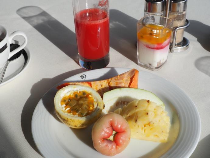 南郷フルーツ盛の朝食ビュッフェ