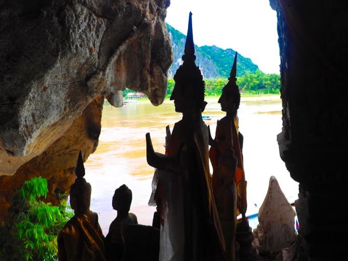 パクウー洞窟の仏像の横顔