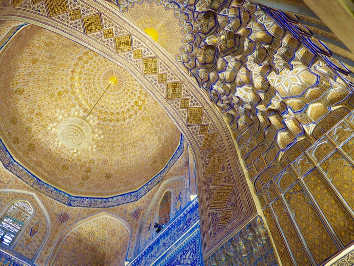 グル・アミール廟の豪奢な天井