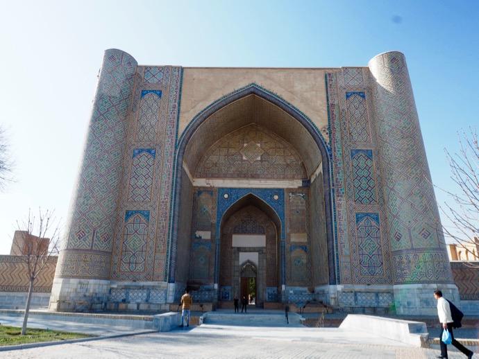 ビビハニム・モスクの入り口