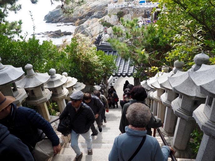 海東竜宮寺の煩悩の階段
