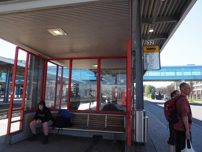 エスポー駅のバス停