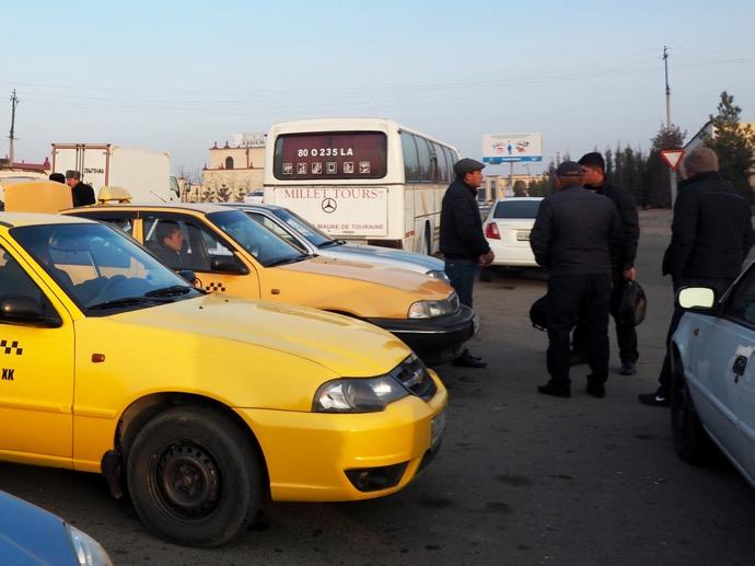 整列するシェアタクシー