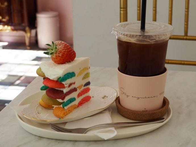 クラウドマインケーキとアイスコーヒー