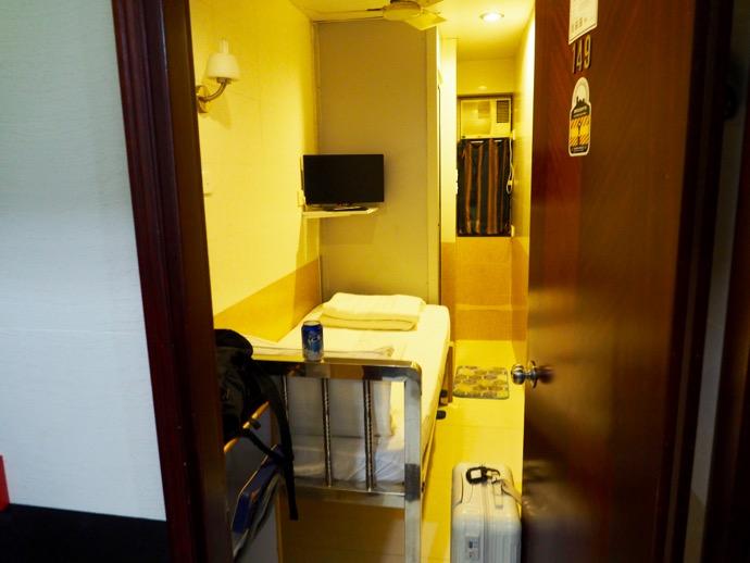 重慶大厦の格安ホステルの狭い部屋