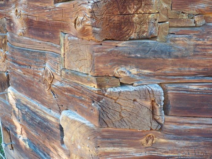 木造教会の継ぎ目