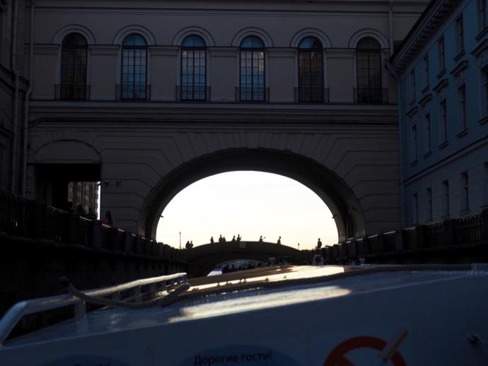 サンクトペテルブルクの低い橋