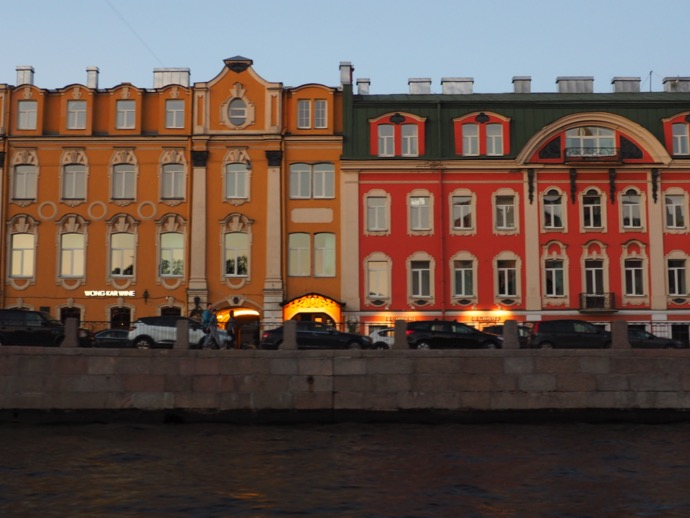 サンクトペテルブルクのカラフルな街並み