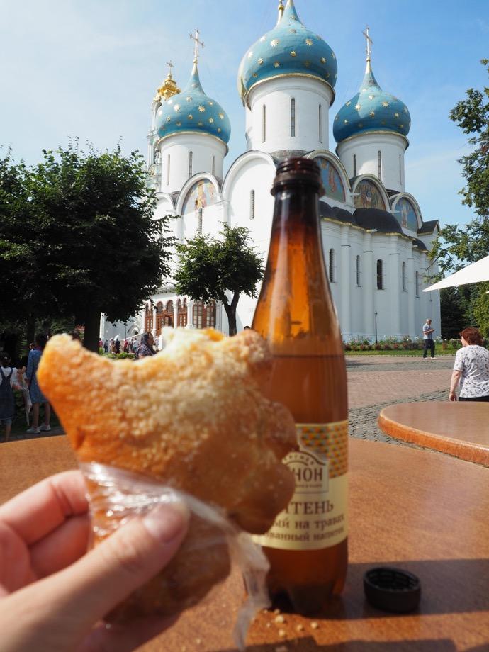 メドヴーハとパン