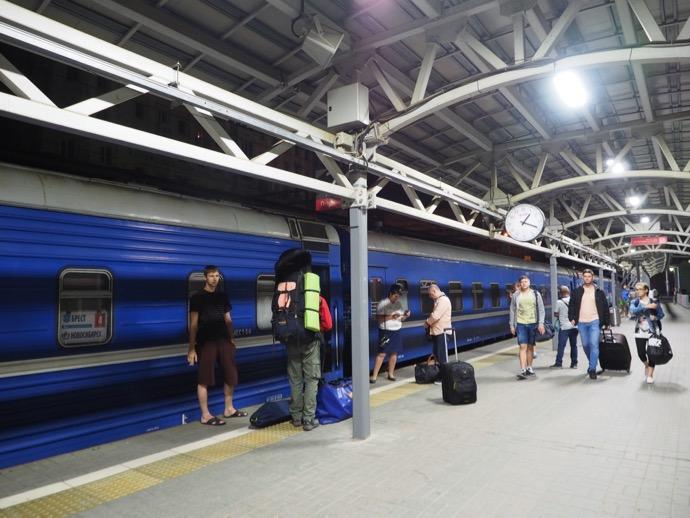 モスクワ駅到着