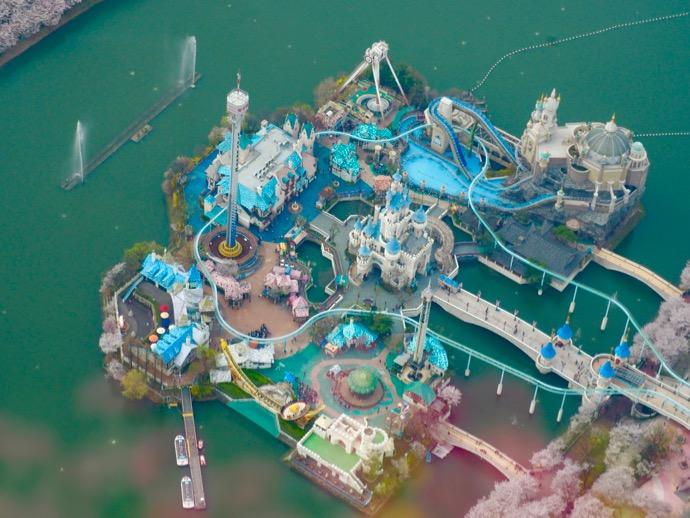 ロッテワールドタワー123階から見えるロッテワールド遊園地