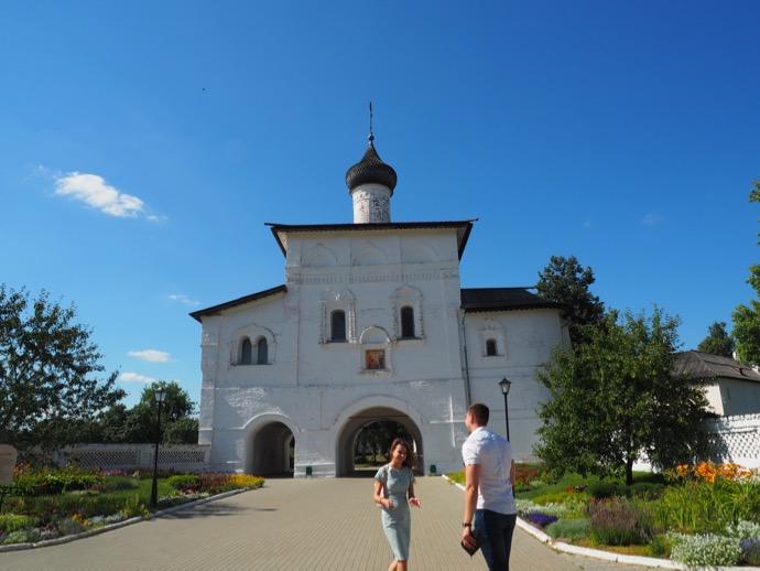 スパソ・エフフィミエフ修道院の門