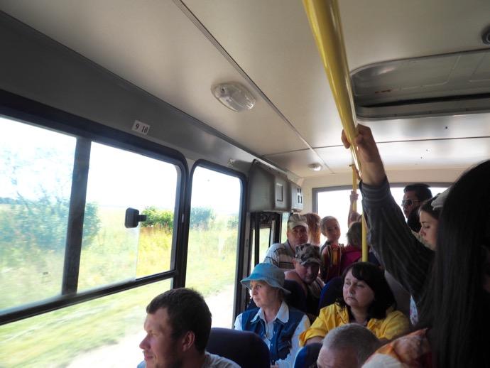 スーズダリへ向かうバスの車内