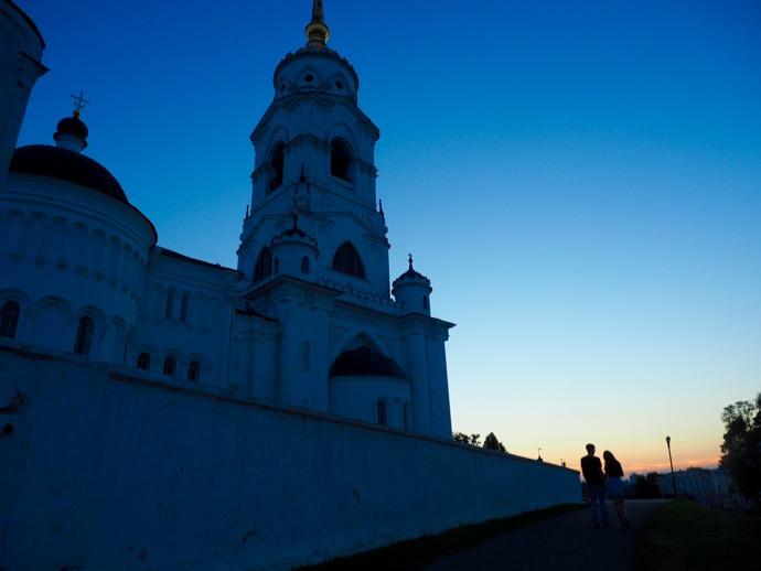 夕暮れ時のウスペンスキー大聖堂
