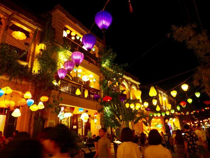 ランタンの灯るホイアン旧市街