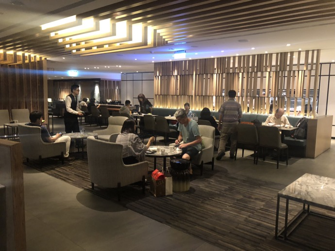 台湾桃園国際空港 プライオリティパスで無料 ラウンジ TPE 第1ターミナル