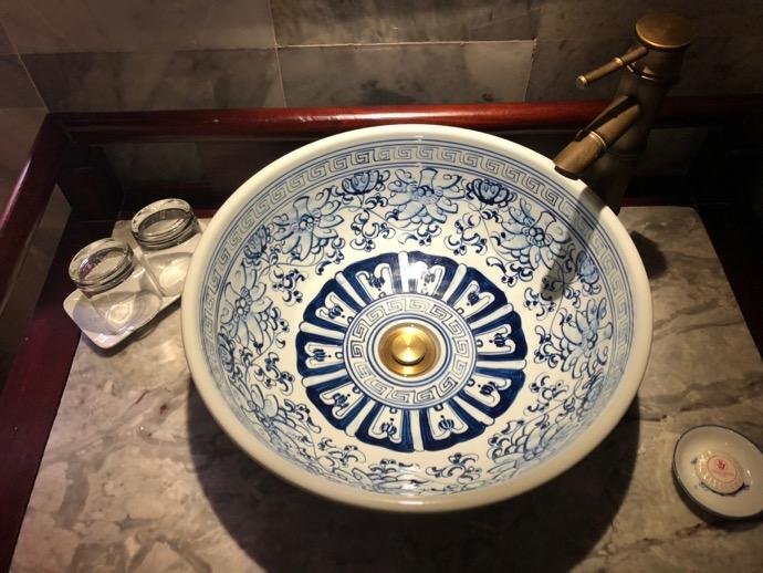 陶器の手洗い場所