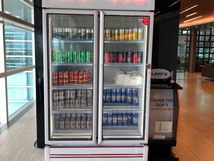 冷蔵庫で冷やされたビールたち