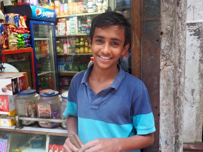 笑顔のバングラデシュ男性