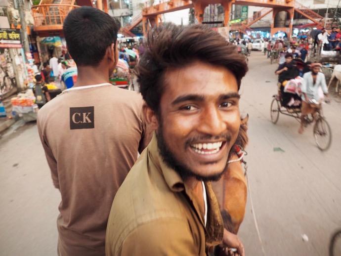 バングラデシュの馬車の御者