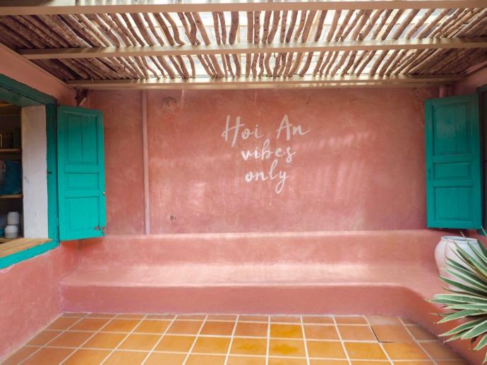 ピンクの壁のインスタ映えスポット