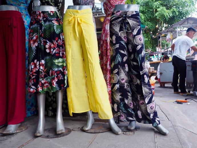 涼しげなベトナムのパンツ