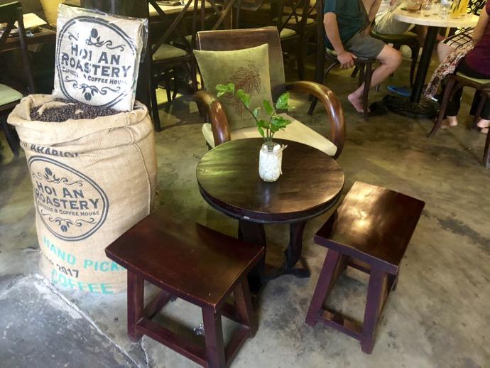 ホイアン旧市街の可愛らしいコーヒーショップ