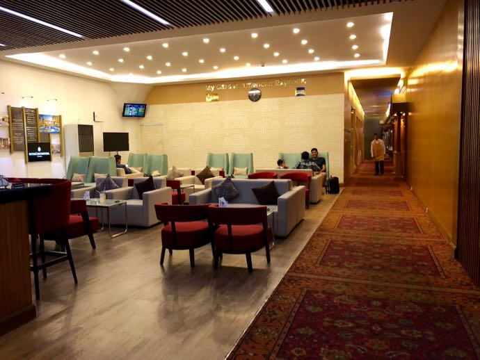プライオリティパスで無料 ダッカ国際空港 BALAKA EXECUTIVE LOUNGは座席数がたっぷり