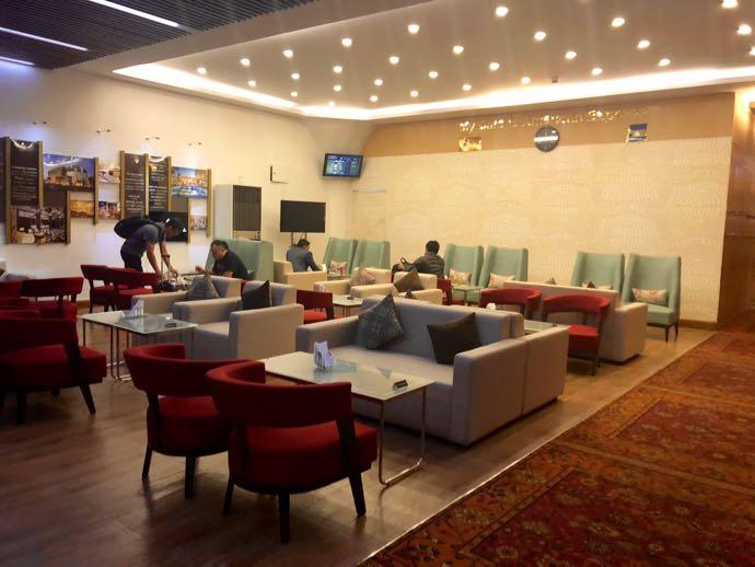 ダッカ国際空港 BALAKA EXECUTIVE LOUNGE プライオリティパスで無料 フロア