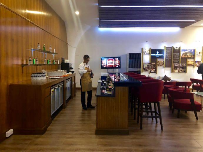 プライオリティパスで無料 ダッカ国際空港 BALAKA EXECUTIVE LOUNGのBARではアルコールNG