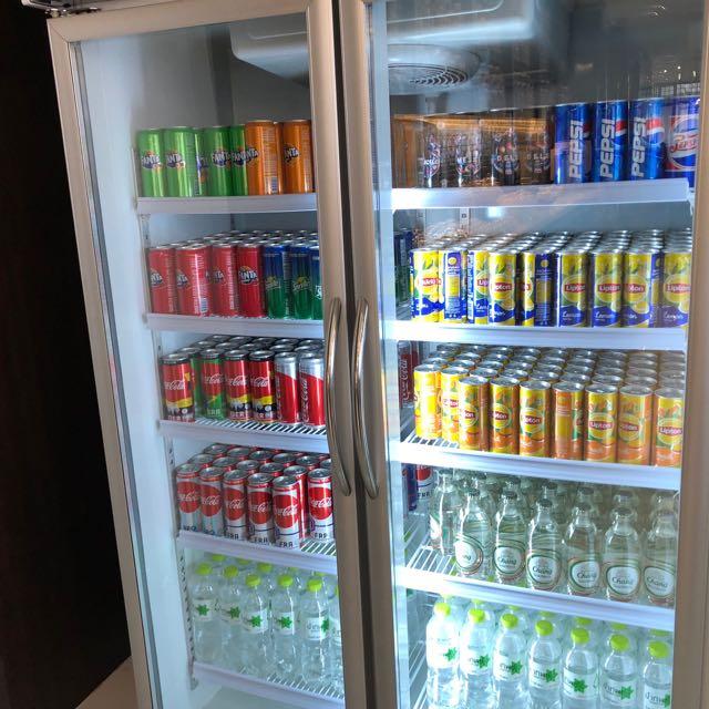 バンコク・ドンムアン国際空港 THE CORAL EXECUTIVE LOUNGE プライオリティパスで無料 冷蔵庫