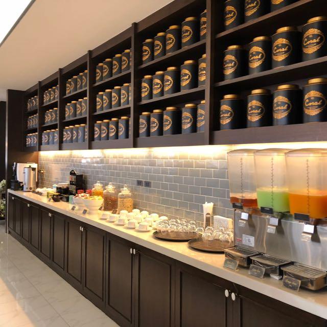 バンコク・ドンムアン国際空港 THE CORAL EXECUTIVE LOUNGE プライオリティパスで無料 紅茶