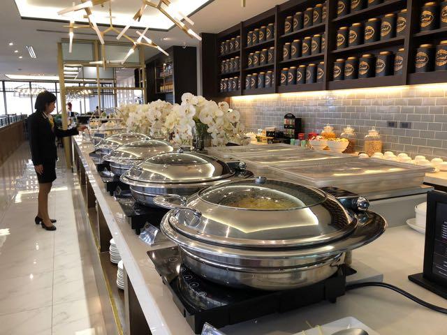 バンコク・ドンムアン国際空港 THE CORAL EXECUTIVE LOUNGE プライオリティパスで無料 軽食充実