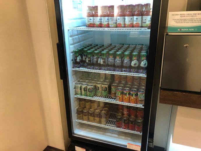 釜山 金海国際空港 KAL LOUNGE おすすめ プライオリティパスで無料 野菜ジュース