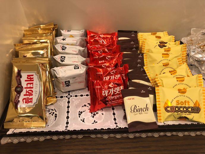 釜山 金海国際空港 KAL LOUNGE おすすめ プライオリティパスで無料 お菓子