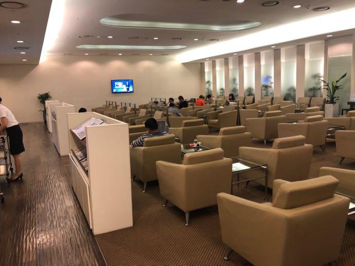 釜山 金海国際空港 KAL LOUNGE おすすめ プライオリティパスで無料 室内の様子