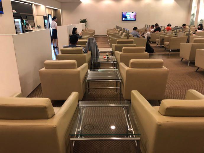 釜山 金海国際空港 KAL LOUNGE おすすめ プライオリティパスで無料 ガラガラ
