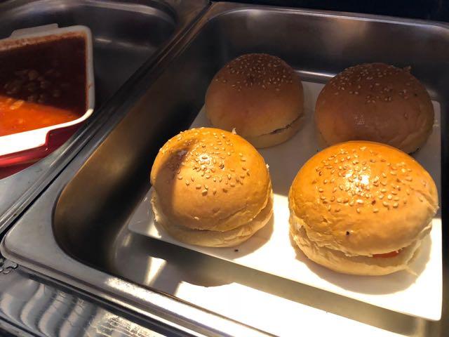 MINGALAR SKY LOUNGE ヤンゴン ミャンマー RGN ラウンジ プライオリティパス 自作バーガー