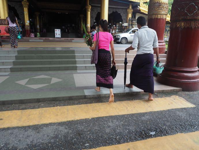 シュエダゴン・パゴダ内にある横断歩道