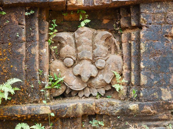 ミーソン遺跡の石のレリーフ