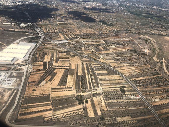 機内から見たギリシャの畑
