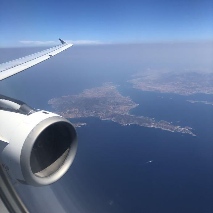 機内から見おろしたエーゲ海