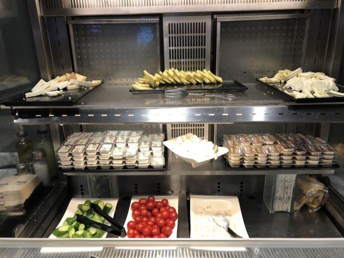 Comfort Lounge イスタンブール アタテュルク国際空港 プライオリティパスで無料 ラウンジ おすすめ たくさんのチーズ