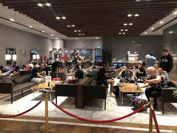 Comfort Lounge イスタンブール アタテュルク国際空港 プライオリティパスで無料 ラウンジ おすすめ フロア