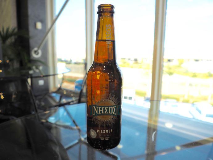 アテネ国際空港 ATH プライオリティパス ラウンジ GOLDAIR HANDLING CIP LOUNGE Nissosビール
