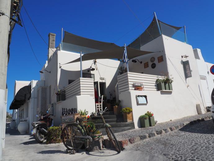 サントリーニ 女ひとり旅 イア おすすめのレストラン Melitini 外観