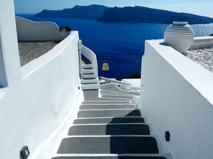 海へと続く階段