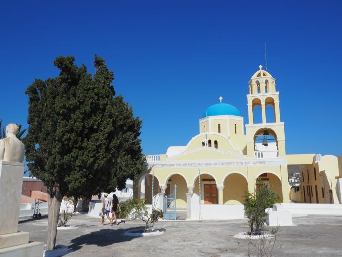 イエローの教会
