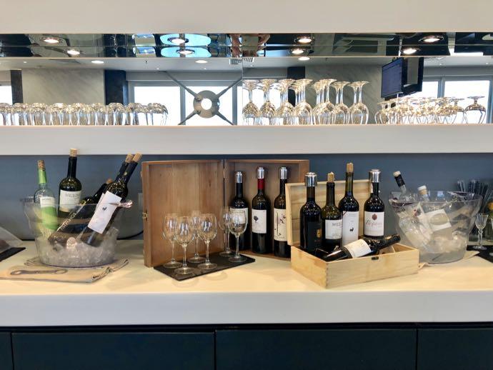 アテネ国際空港 ATH プライオリティパス ラウンジ GOLDAIR HANDLING CIP LOUNGE ワイン13本