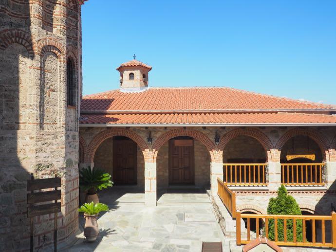 修道院の建物